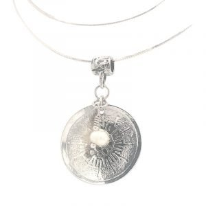 sterling-disk-with-pearl-necklace