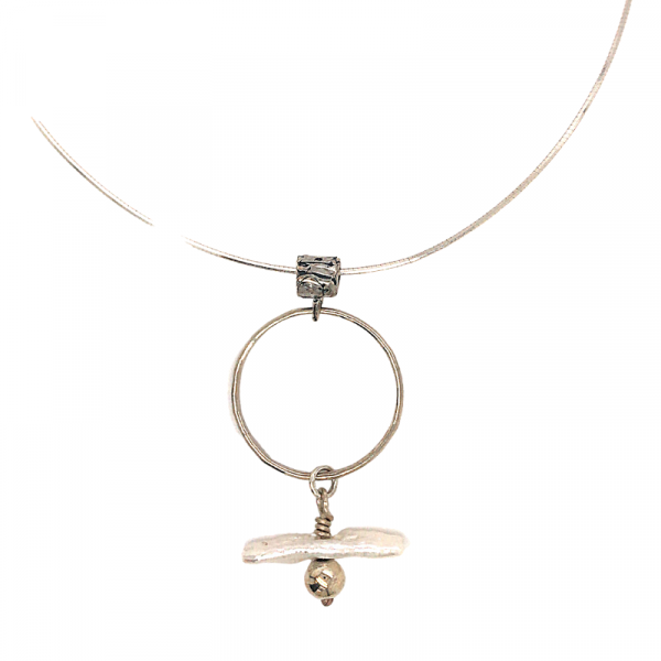 circles-and-pearls necklace