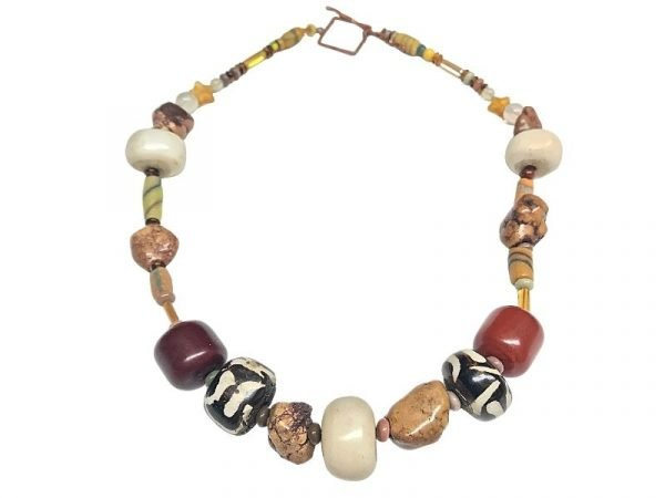 brown-and-beautiful-necklace