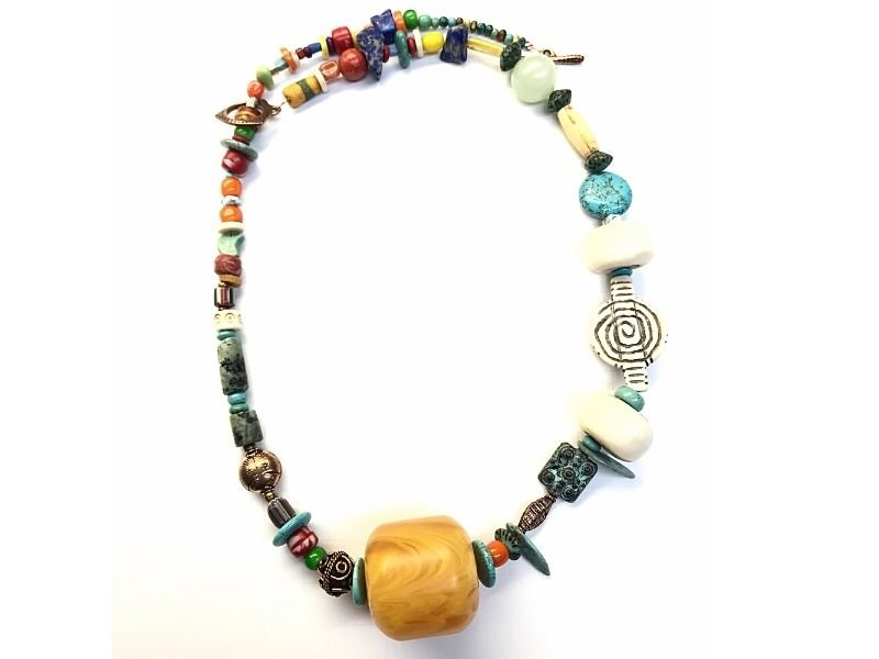 bold-copal-amber-necklace